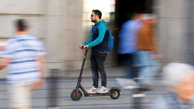 elektrikli-scooter-kullaniminda-yas-siniri-15-oldu